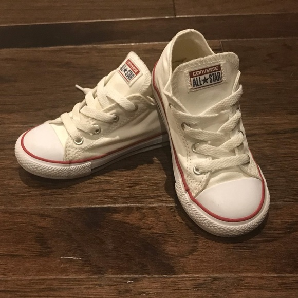 ebede86dd4e3 Converse Other - Boy s Classic Converse Chuck Taylors